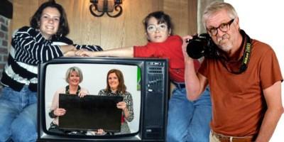 30 jaar geleden keken zussen Inge en Aniek een jaar lang geen tv voor een weddenschap met hun ouders: hoe is het nu met ze?