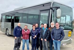 Leerlingen krijgen nieuwe bus voor schoolvervoer