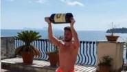 Dries Mertens blijft met hulp van fles wijn fit tijdens competitiestop
