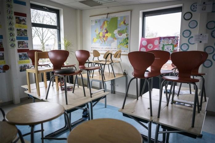 """Experts waarschuwden voor sluiten van scholen door corona: """"Dan brengen we net kwetsbare ouderen in gevaar"""""""