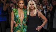 Donatella Versace doneert 200.000 euro in strijd tegen coronavirus