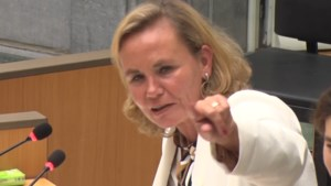"""Liesbeth Homans (N-VA) streng tijdens debat over coronavirus: """"Als het u niet interesseert, ga naar de koffiekamer"""""""