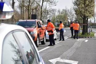 """Politie Westkust controleert toegangswegen kust: """"Wie er niet moet zijn, wordt teruggestuurd"""""""