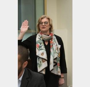 "Burgemeester legt ""met dubbel gevoel"" eed af als volksvertegenwoordiger"