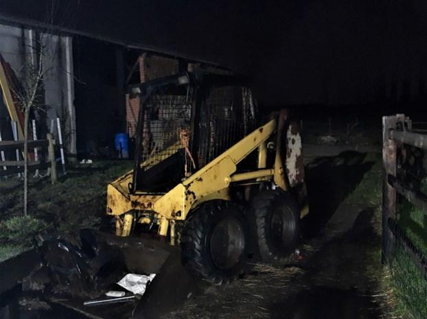 Bobcat na brand rijp voor de schroothoop