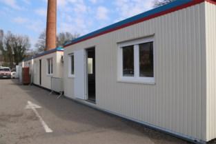 Sportcentra, tenten en containers omgebouwd tot triageposten