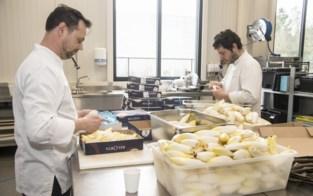 """Koks bereiden duizenden gratis gezonde maaltijden voor verplegers en dokters: """"Ook goed voor ons koppeke"""