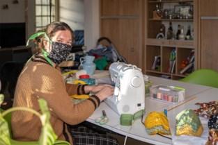 """Sofie (36) en vele anderen blijven mondmaskers naaien: """"Ze worden gebruikt, ook nu professionele maskers op komst zijn"""""""