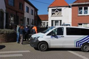 Man dood aangetroffen in steegje in Appelterre: politie gaat uit van verdacht overlijden