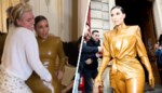Met gevloek, getier en de hulp van drie assistenten: zo wurmt Kim Kardashian zich in latex pak voor modeshow