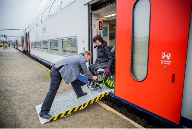 Minder dan anderhalve meter afstand: NMBS helpt mensen met beperking niet meer op de trein