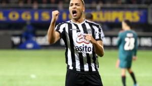 Belgisch jeugdinternational en hot in Nederland, maar Cyriel Dessers heeft eerste selectie voor Nigeria beet