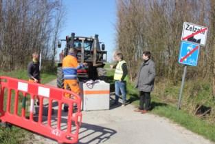 Betonblokken en klok rond controles: ook Meetjesland sluit grenzen met Nederland