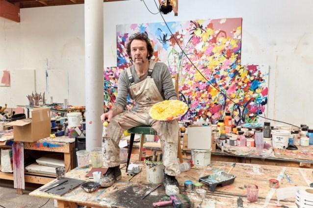 Kunstenaar Arne Quinze schenkt groot bloemenschilderij aan AZ Jan Palfijn