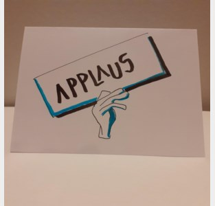 """KAAi tekent kaartjes """"om mensen op te vrolijken en hart onder de riem te steken"""""""