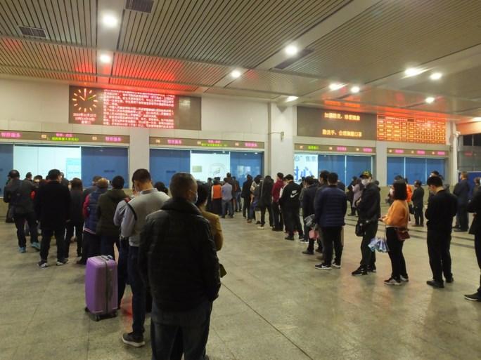 Einde van beperkingen in Chinese provincie Hubei: treinstations en luchthavens opnieuw open