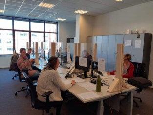 """Medewerkers stad Turnhout bellen alleenstaande senioren op: """"Vereenzaming moeten we zeker in deze crisis vermijden"""""""