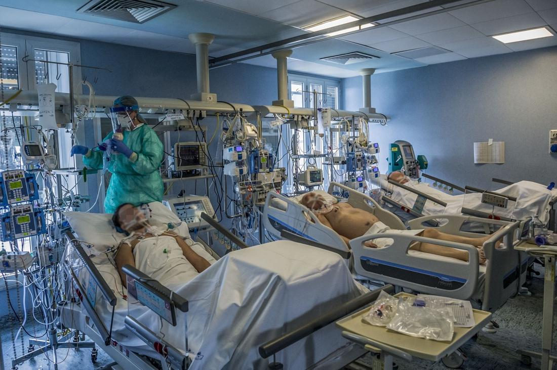 Italiaanse 'patiënt 1' pas uit ziekenhuis na lange strijd tegen corona, of hij hoort dat vader het niet heeft gehaald