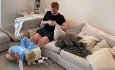 """Kevin De Bruyne combineert kinderen met training: """"Legday in de zetel"""""""
