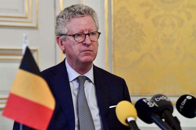 """Minister De Crem sluit kilometerlimiet voor fietsen en wandelen niet uit en zegt alvast """"dat tocht van 50 kilometer echt niet kan"""""""