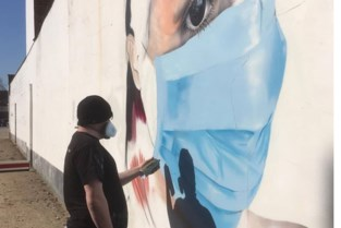 Hart voor zorg met mega-graffiti aan AZ Monica