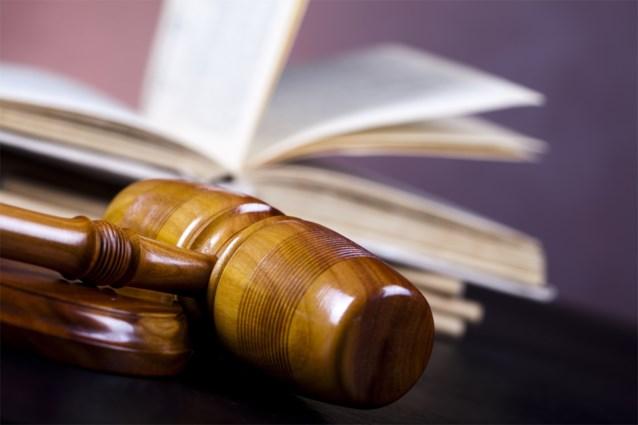 """Rechter laat trucker vrij die voor 500.000 euro fraudeerde omdat hij """"nodig is om land te bevoorraden"""""""