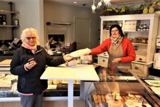 Kaaswinkel 't Hoeveke: maar drie klanten tegelijk in de winkel