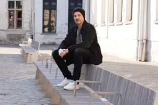 """Nightlife-expert David loodst kleine zelfstandigen gratis door crisis: """"Ik klink misschien naïef, maar ik wil gewoon helpen"""""""