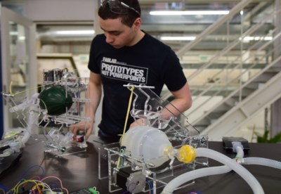 """Deze ingenieurs maken beademingstoestellen in race tegen de klok: """"Ik hoop dat we ze nooit moeten inzetten"""""""