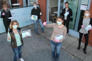 Vrijwilligers bedelen in halve dag meer dan 22.000 mondmaskers aan verplegers