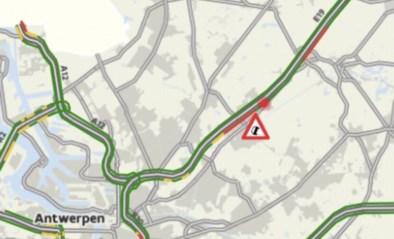 E19 naar Breda volledig dicht na ongeval met vrachtwagens
