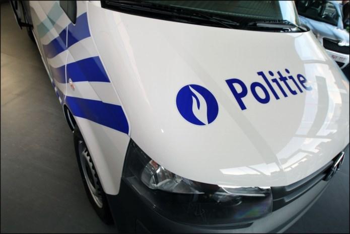 Werknemer elektrozaak in Tienen overvallen