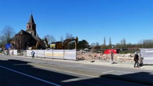 Rij huizen en handelspanden gesloopt: bouw van residentie naast Martinuskerk kan starten