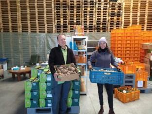 Provinciale tuinbouwschool oogst honderden kilo's groenten voor mensen in nood: