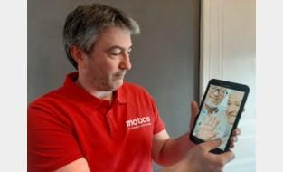 Mobco helpt rusthuisbewoners en coronapatiënten om veilig contact houden met buitenwereld via onverwoestbare tablets en gsm's