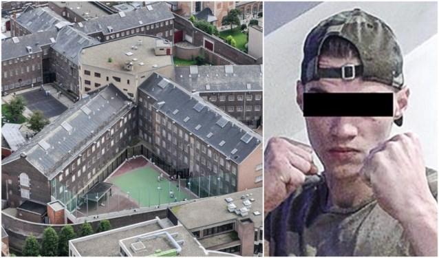 Moordverdachte krijgt dertig maanden cel voor drugssmokkel in de gevangenis