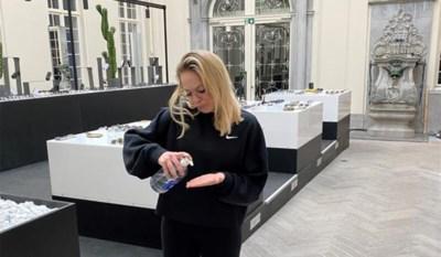 """Ondernemer Eline De Munck heeft het moeilijk in de lockdown: """"Hoe kan ik toch nog bij mijn klanten zijn, nu alles dicht is?"""