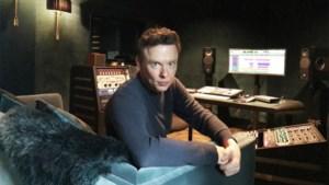 """Muzikant Alex Callier vanuit zijn (muziek)kot: """"Entertainment mag in tijden als deze niet onderschat worden"""""""