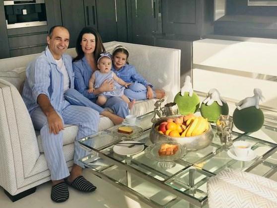 """De lockdown van bondscoach Roberto Martinez en zijn gezin in Manchester: """"Lopen, yoga en héél veel voetbal kijken"""""""