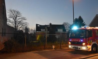 Uitslaande woningbrand in Molendreef