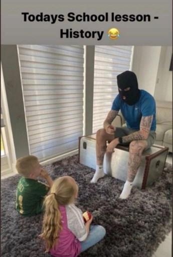 """Ierse international gaat door het stof na """"ongepast bericht"""" met zijn kinderen: """"Ik realiseer me nu wat ik gedaan heb"""""""