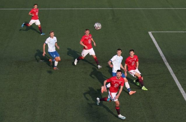 Voetballen in volle coronacrisis legt Wit-Russische competitie geen windeieren, Franse clubs breekt angstzweet uit