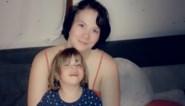 Peuter glipt blootsvoets weg uit huis, maar kan via Facebook weer herenigd worden met haar ouders