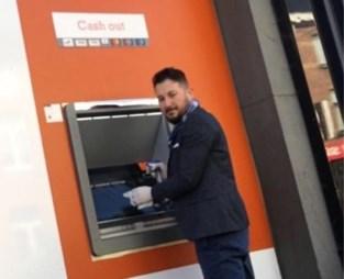 Winkelier die regelmatig bankautomaat ontsmette tegen corona nu zelf ziek