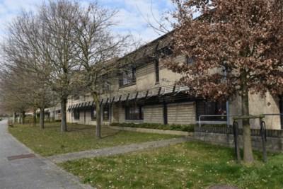 """Kortrijk richt serviceflats in om besmette daklozen op te vangen: """"Mét internet en tv"""""""