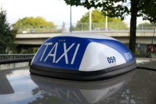 Gentse taxichauffeurs willen stoppen én aanspraak maken op hinderpremie