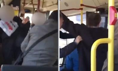 Hoestende man met geweld van bus gegooid door medepassagiers die vrezen voor het coronavirus