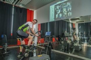 """Leerlingen wielerschool fietsen virtueel met Jelle Wallays en Julie Van de Velde: """"Ik wel hen karakter bijbrengen"""""""