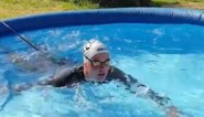 Alle zwembaden gesloten door corona? Deze Olympisch kampioene vond een creatieve oplossing om te kunnen blijven zwemmen