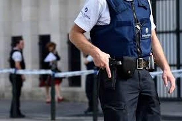 """Belgische agent krijgt anonieme brief in de bus: """"Gelieve niet meer in onze buurt te komen en geen vuilniszakken meer buiten te zetten"""""""